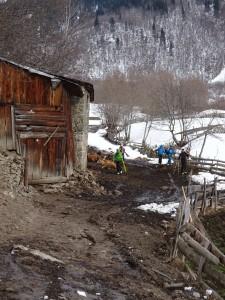 nicht nur die Skitouren sind ein Erlebnis. Land & Leute muss man geniessen...