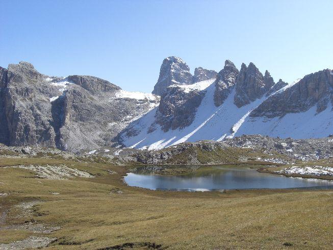 Tolle Umgebung bei der Drei Zinnen Hütte in den Dolomiten